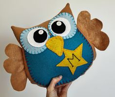 Owl pillow.. another cute owl. I am guna make a couple of these guys for ava