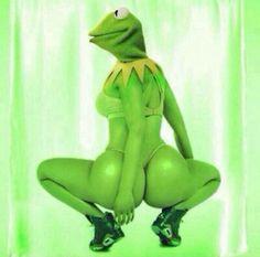 #LOL it ain't easy being green @pinktrickle holla for da dollar