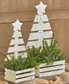 Wood Tree Planters tree Unique Gifts, Home Decor, Gift Catalogs Wooden Christmas Decorations, Pallet Christmas Tree, Christmas Wood Crafts, Outdoor Christmas, Rustic Christmas, Christmas Projects, Holiday Crafts, Christmas Holidays, Christmas Ornaments