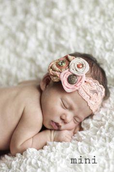 Way cute baby headband!