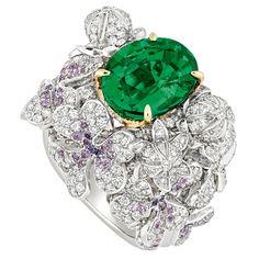 Na Dior, as flores vão pra joalheria também... Com uma esmeralda gigante