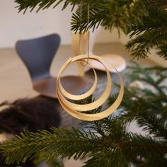 DIY | Ornaments made from wood shavings