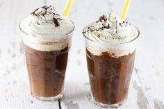 Make iced coffee yourself - 15 refreshing recipes for the summer, Frappuccino, Frappe, Leo Coffee, Coffee Meeting, How To Make Ice Coffee, Coffee Recipes, Bon Appetit, Food And Drink, Pudding