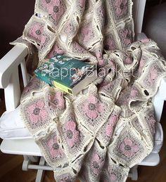 Bir koltuk salimiz daha bitti#happyblanket #crochet #crocheting #crochetdesign #crochetblanket #handmade #decoration #knitting #crocheting #crochet #babyblanket #homedecor #throw #crochetthrow#winter #blanket