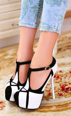 Hot Shoes, Women's Shoes, Me Too Shoes, Shoe Boots, Strappy Shoes, Dream Shoes, Crazy Shoes, Talons Sexy, Platform High Heels