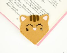 Bookmarks for Books. Crazy Cat Lady Gift Under Book Lover Gift Mom on Etsy Bookmarks For Books, Corner Bookmarks, Book Lovers Gifts, Cat Lover Gifts, Cat Lovers, Felt Bookmark, Felt Cat, Unicorn Birthday Parties, Handmade Felt