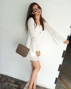 Urassaya Sperbund aka Yaya is the latest international celebrity to join the front rows at NYFW. Gamine Looks, Curly Prom Hair, Cool Outfits, Summer Outfits, Thai Model, Fashion Marketing, Fashion Beauty, Womens Fashion, Bollywood Fashion