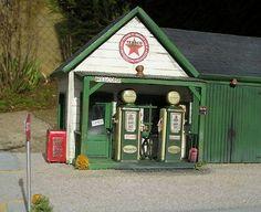 Diorama stazione 1/18 - Comprare/Sendere Diorama stazione modellini auto - Modellini-automobile.it