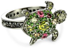 DZ turtle ring... Not gonna lie, I actually kind of want this. I'm not usually the type to wear all the DZ stuff like crazy, but this is toooo cute.