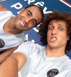 David Luiz faz selfie com Lucas paris saint-germain (Foto: Reprodução)