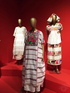 Traditional garments from different cultures around Mexico. The patterns and textiles are striking! Mexican Outfit, Mexican Dresses, Mexican Style, Mexican Clothing, Mexico Costume, Frida E Diego, Outfits For Mexico, Mexico Fashion, Folklore
