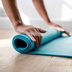 Join the Well+Life+Tribe for free expert wellness Yoga Sutras, Yoga Sequences, Yoga Poses, Iyengar Yoga, Ashtanga Yoga, Vinyasa Yoga, Yoga At Home, At Home Gym, Pranayama