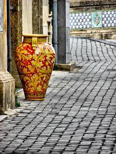 handicrafts of Sicily - Caltagirone ceramic #lcaltagirone #sicilia #sicily