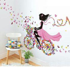 めっちゃカワイイウォールステッカーです(☆∀☆)!  4枚目の画像は自宅に貼ったものです。  ☆☆2枚セット購入していただければ5000円に割引いたします。☆☆  女の子のステッカーだけで約60㎝あります。 バタフライと自転車まで合わせると100㎝以上になりますので壁いっぱいに貼ることができます(^-^)  簡単に剥がすことができますので賃貸マンションでも気軽に楽しめます。(^-^)
