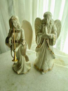 Byers Choice Nativity Angel in Creamy White w//Horn Fur Wings Brunette Girl MINT