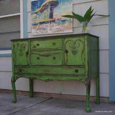 color Antibes Green...Chalk Paint® by Annie Sloan...Shades of Amber