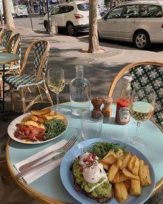 Foodie Travel 387098530474720738 - Brunch time🥂 Source by luciiiiiiiiiiie Think Food, I Love Food, Good Food, Yummy Food, Food Goals, Cafe Food, Aesthetic Food, Summer Aesthetic, Food Cravings