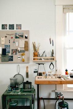 another feather Studio space / kitchen Studio Interior, Interior Design, Home Office, Art Studio Design, Studio Art, Studio Ideas, Design Industrial, Workshop Studio, Home Studio