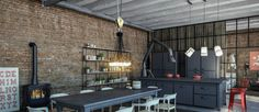 Next year is at the corner and we want to give you a glimpse of the fantastic industrial bar tendencies for Take a look! Industrial Floor Lamps, Industrial Light Fixtures, Industrial Lighting, Estilo Industrial Chic, Vintage Industrial, Industrial Style, Unique Lighting, Vintage Lighting, Restaurant Ideas