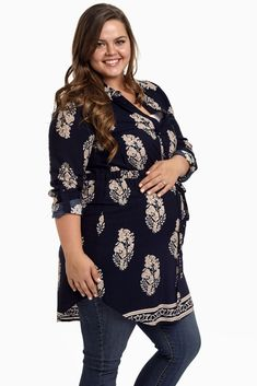 A printed button up plus size maternity tunic with a ¾ sleeve gives you the perfect transitional look this season.