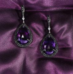 Topkapi Palace Amethyst Earrings reflects timeless elegance and style. #gilanistanbul #WalkingTaller
