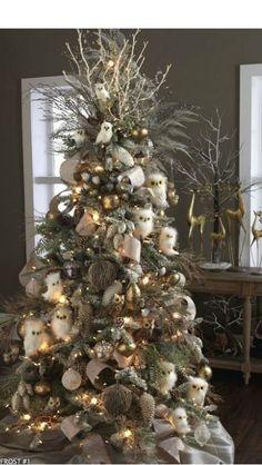 White Christmas tree. do u like owls?