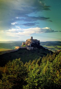 Spišský hrad (castle), Slovakia, a magical place overlooking the kingdom Bratislava, Beautiful Buildings, Beautiful Places, Places Around The World, Around The Worlds, Medieval Castle, Central Europe, Places To See, Monument Valley
