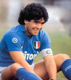 Diego Maradona - football player-a legend. Best Football Players, World Football, Sport Football, Soccer Players, Football Icon, Maradona Football, Juventus Soccer, American Football, Naples