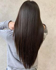 Long Hair V Cut, Haircuts For Long Hair With Layers, Haircuts Straight Hair, Haircuts For Medium Hair, Haircut For Thick Hair, Long Layered Hair, Medium Hair Cuts, Medium Hair Styles, Short Hair Styles
