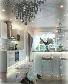 All white furniture living room chairs Ideas Kitchen Interior, New Kitchen, Kitchen Decor, Kitchen Ideas, Living Room White, White Rooms, Sweet Home, Decoration Inspiration, White Kitchen Cabinets