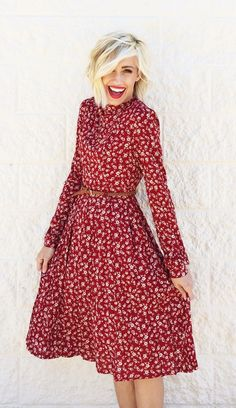 fall floral dress | via https://www.pinterest.com/noipaicrib/pins/