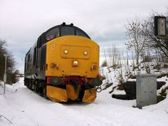 Class 37 37682 in the snow