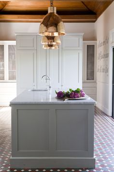 Provincial Kitchens is a bespoke kitchen design company that is commited to building exquisite kitchens, bathrooms and interiors for your home. Kitchen Redo, Kitchen Layout, Kitchen Remodel, Kitchen Design, Kitchen Ideas, Kitchen Island, Cottage Renovation, Bespoke Kitchens, Kitchenette