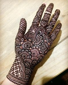 Gorgeous Indian mehndi designs for hands this wedding season Indian Henna Designs, Latest Bridal Mehndi Designs, Full Hand Mehndi Designs, Henna Art Designs, Mehndi Designs 2018, Mehndi Designs For Beginners, Mehndi Design Photos, New Bridal Mehndi Designs, Beautiful Mehndi Design