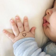 Trendy baby girl newborn pictures tips Newborn Baby Photos, Cute Baby Pictures, Newborn Pictures, Baby Boy Newborn, Cute Baby Boy, Cute Little Baby, Cute Babies Photography, Newborn Baby Photography, Foto Baby