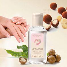 Šifra:31346 -SoftCaress zaštitni gel za čišćenje ruku sa makademskim orahom čisti i osvežava ruke bez vode.Otklanja bakterije.Ruke čini svežim i čistim bez lepljivih ostataka.Formulisan je sa alkoholom i efikasno čisti ruke bez vode.50ml.