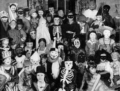 Children's Halloween costumes, 1940's
