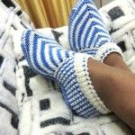 African violets (senpolia), handmade articles with necessary material for knitting patterns, crochet patterns, Yarn, knitting needles and stitches used. Knit Shoes, Crochet Shoes, Crochet Baby Booties, Sock Shoes, Crochet Clothes, Crochet Ripple, Knit Or Crochet, Knitting Socks, Baby Knitting