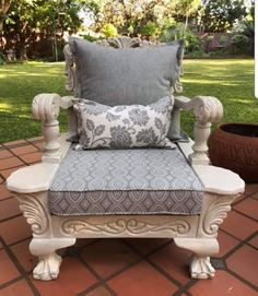 Upcycled Furniture, Painted Furniture, Furniture Ideas, Outdoor Furniture, Bsl, Thrifting, Architecture Design, Accent Chairs, House Ideas