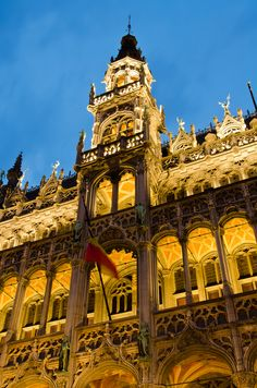 """""""Royal Colors"""" by Jérémie Fricker - Grand Palace, Brussels, Belgium Cool Places To Visit, Places To Go, Places Around The World, Around The Worlds, Royal Colors, Travel Memories, Beautiful Architecture, Travel Abroad, European Travel"""