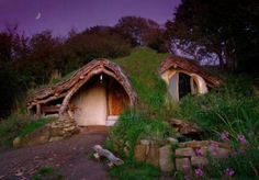Building a real-life hobbit house. Awesome.