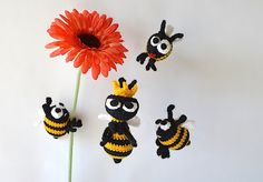 Queen Bee free crochet also look for the Worker Bees linked in the pattern