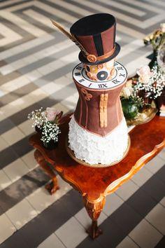 #bruidstaart #taart #trouwtaart #taarttopper #inspiratie #bruiloft #trouwen #huwelijk #trouwdag #wedding #cake #inspiration #idea   Photography: Marije van der Leeuw   ThePerfectWedding.nl