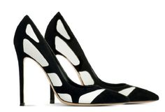 Arriving to the Shoe Salon later this week: Gianvito Rossi. 212 872 8947