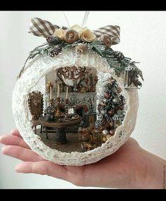 Christmas Decor Ideas And Nostalgia - Pa - Diy Crafts Christmas Makes, Noel Christmas, Simple Christmas, Christmas Wreaths, Christmas Bulbs, Christmas Crafts To Sell, Handmade Christmas Decorations, Xmas Decorations, Diy Crafts