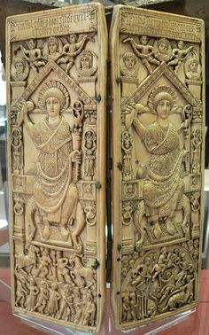 Le diptyque de Flavius Anastasius Probus Consul en 517 Constantinople,ivoire. Ancien tresor de Saint Etienne de Bourges Bibliotheque Nationale de France