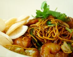 """If you go to Indonesia, it won't take you long to become acquainted with mie goreng. Translated as """"fried noodles,"""" this dish is ubiquitous in restaurants and has as many variations as pizza has toppings. It's harder to find at restaurants stateside, but luckily, it's not hard to learn how to make mie goreng at home. Find out here!"""