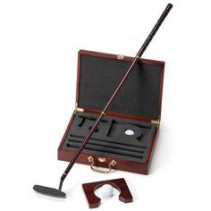 Golf Gifts A personalized hampton executive putter golf set is the perfect gift for your golf loving groom or groomsmen. - A personalized hampton executive putter golf set is the perfect gift for your golf loving groom or groomsmen. Disc Golf Scene, Golf 6, Play Golf, Golf Card Game, Golf Handicap, Golf Bags For Sale, Dubai Golf, Golf Ball Crafts, Miniature Golf