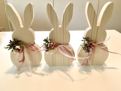 Bunny Crafts, Easter Crafts, Crafts For Kids, Christmas Present Decoration, Wooden Christmas Crafts, Bunny Birthday, Cool Walls, Porch Decorating, Plexus Products