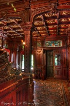 Shakespeare Chateau, built in One of the most spectacular Victorian mansions in St Joseph Missouri. Victorian Interiors, Victorian Decor, Victorian Gothic, Victorian Homes, Victorian Furniture, Bed And Breakfast, Breakfast Hotel, Beautiful Architecture, Architecture Details